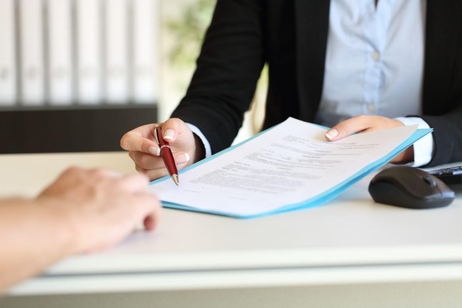 Umowy cywilnoprawne a stosunek pracy – zawieranie umów o dzieło i zlecenie