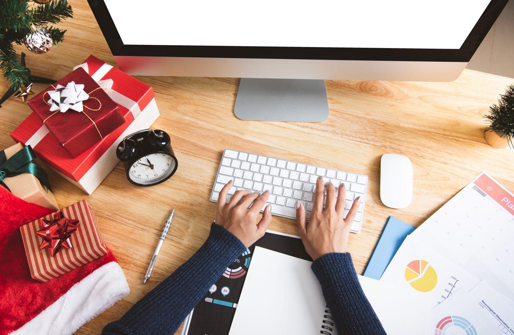 Praca w święta – kto musi pracować w Boże Narodzenie i czy może oczekiwać rekompensaty?